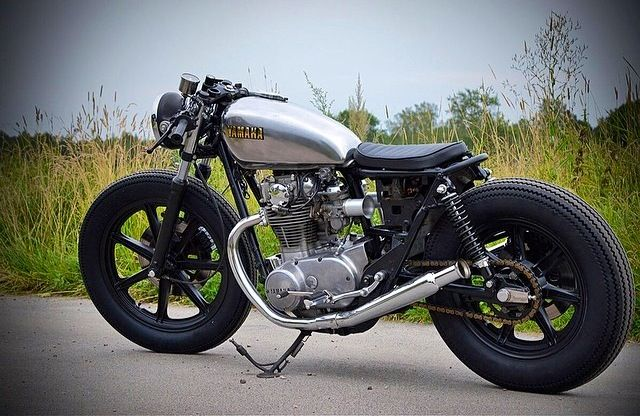 Yamaha xs650 cafe racer/ brat | Cafes, Brats, and Bobs