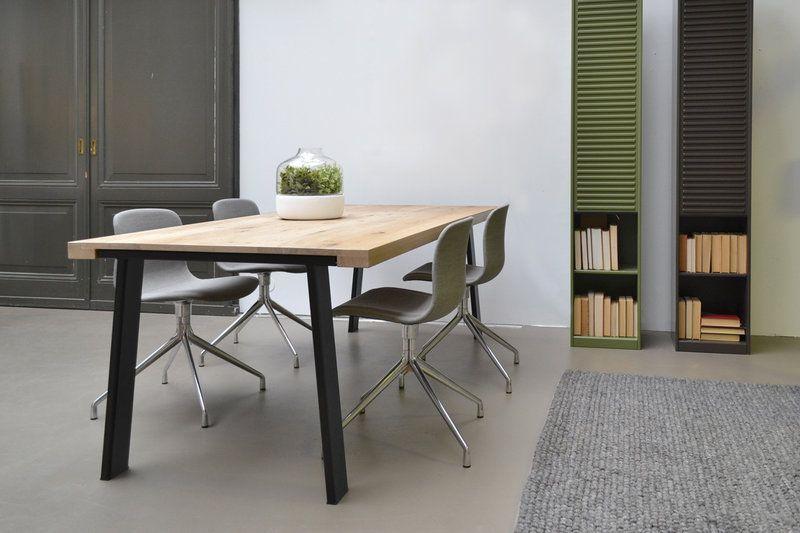 Maatwerk tafel type echo massieve houten for Stalen onderstel tafel laten maken