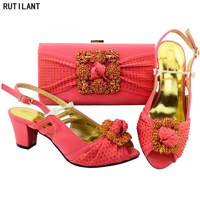 المرجانية اللون الأحذية الايطالية مع مطابقة أكياس المرأة الأفريقية الأحذية الايطالية و حقيبة مجموعة النيجيري Shoe And Bag Set Low Heel Shoes Pink Wedding Shoes