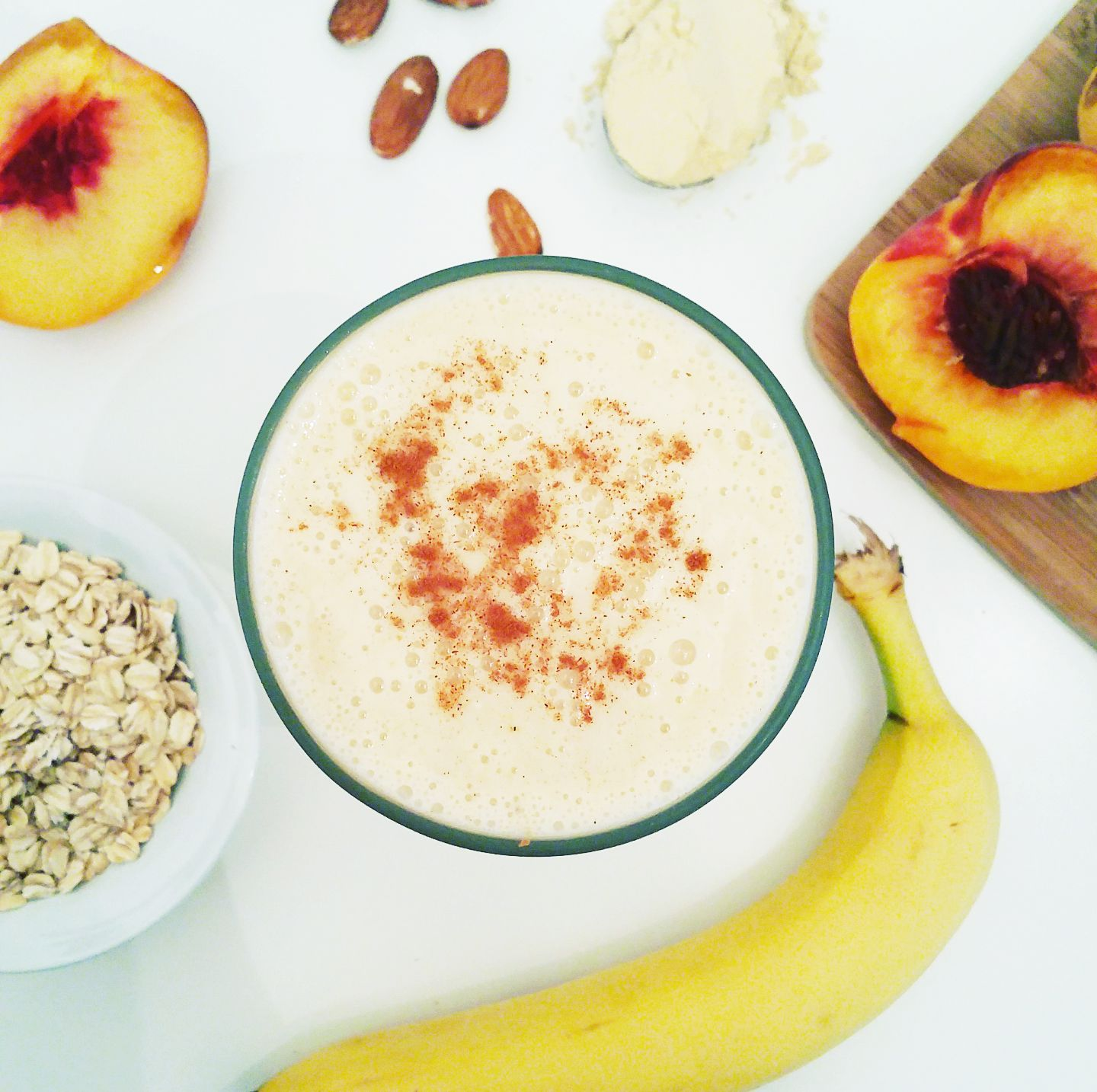 Peach Oatmeal Protein Smoothie - blends the flavors of summer and fall to perfection! #smoothie #recipe