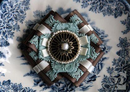 брошь 79 - бирюзовый,коричневый,молочный,голубой,винтажный стиль,подарок на день рождения