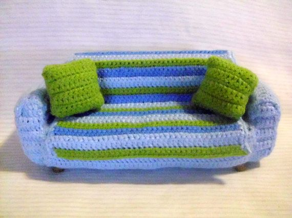 A crocheted sofa dollhouse sofa scale one inch di IrynaHudyma, €25.00