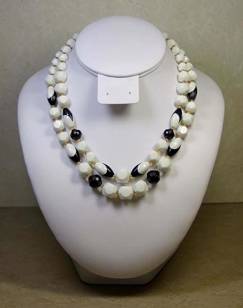 W GERMANY 50's VINTAGE OLD PLASTIC NECKLACE WITH FACETED WHITE AND BLACK BEADS