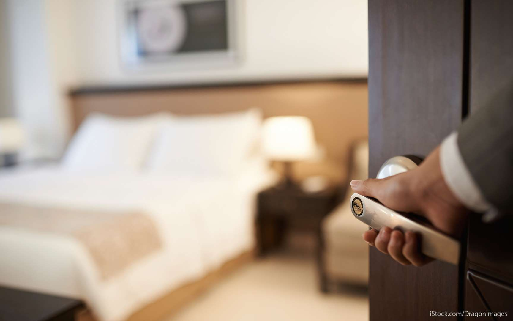 40 Hotel Secrets Only Insiders Know Hotel Hacks Hotel Secrets Bed Bugs