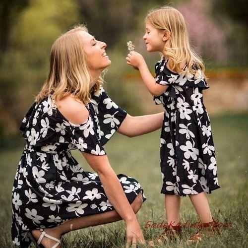 2020 Anne Kız Elbise ve Kıyafet Kombinleri Siyah Midi Omzu Açık Çiçek Desenli Elbise | SadeKadınlar, Kıyafet Kombinleri #moda #fashion #fashionblogger #damenmode #mode #damenoutfits #outfits #kombin #annekız #annekızelbiseleri #annekızkıyafetleri #annebebekkombin #kombinleri #kombinönerileri #outfitsoftheday #girl #kıyafetkombinleri #şıkkombinler