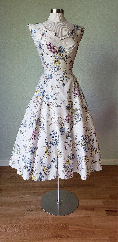 On L A Y A W A Y Alix Of Miami New Look Spring Floral Cotton Etsy Summer Dresses Floral Cotton Dress 1950s Dress [ 3000 x 1458 Pixel ]