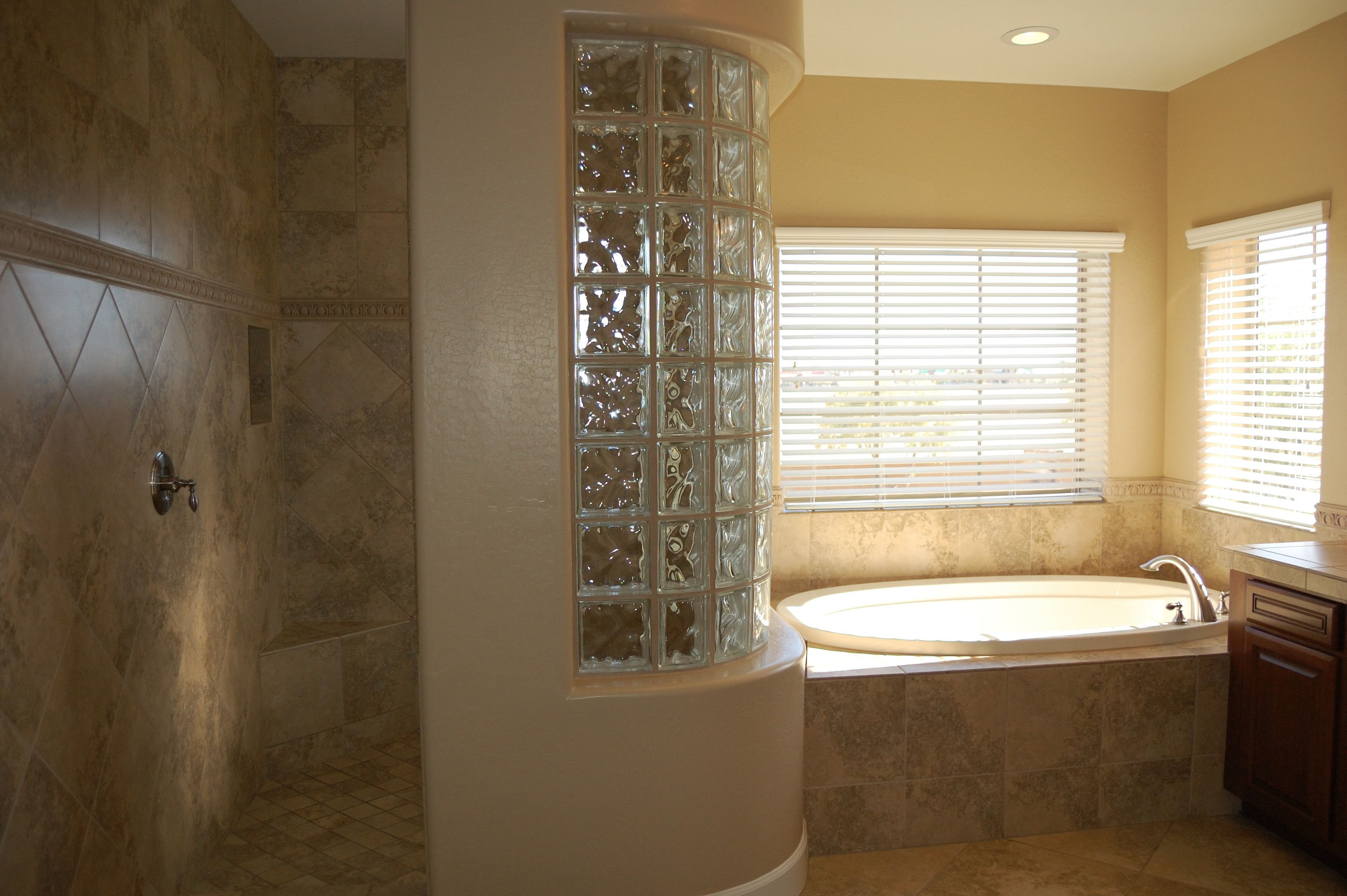 Snail Shower And Garden Tub Located In Calderra At Portales
