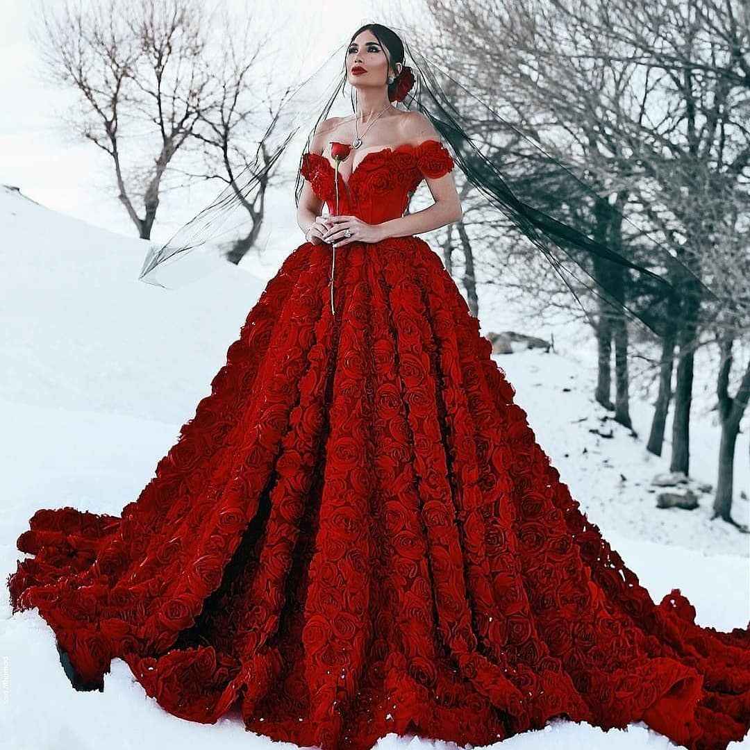 2 794 Gostos 19 Comentarios Dresses Hut Dresseshut No Instagram Wear Or Not Comment Down Below Tag A Friend Now Shopping Lin Wedding In 2019