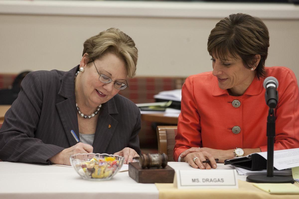 U.Va. Board Extends Sullivan's Employment Contract to 2016