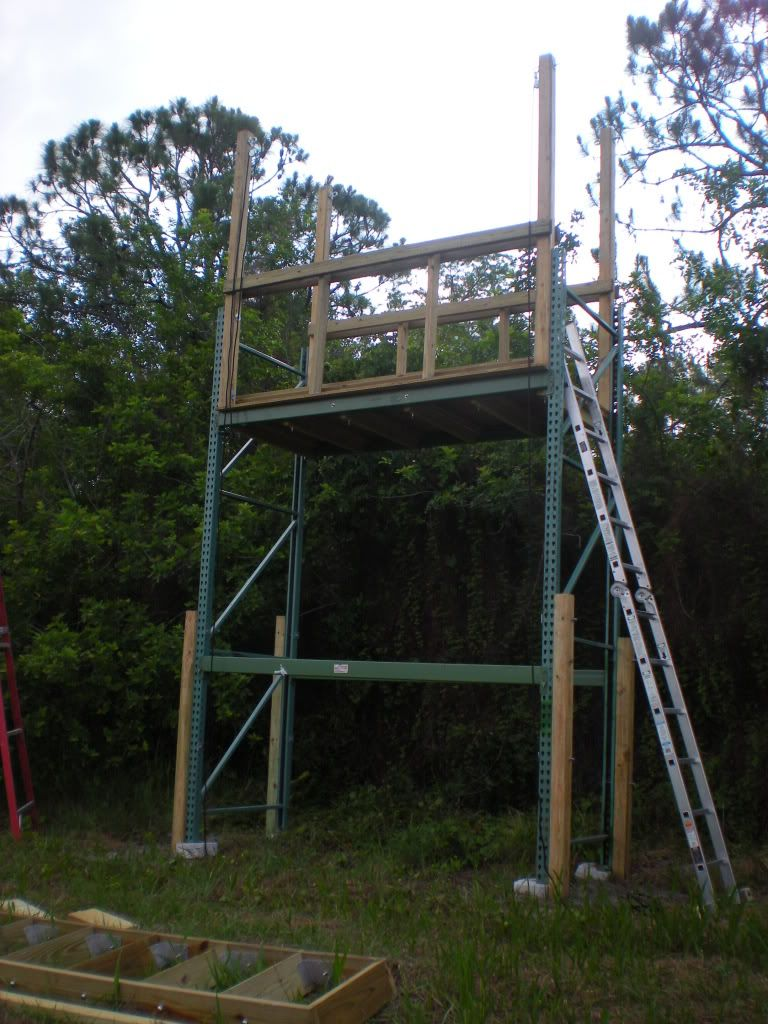 The penthouse deer blind made from industrial racks i am for Deer stand made from pallets