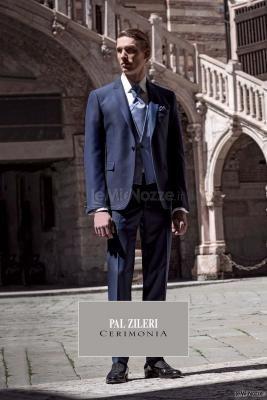5ffc886009f1 Pensiamo un po  anche a lui! Abito da  sposo blu di Pal Zileri ...