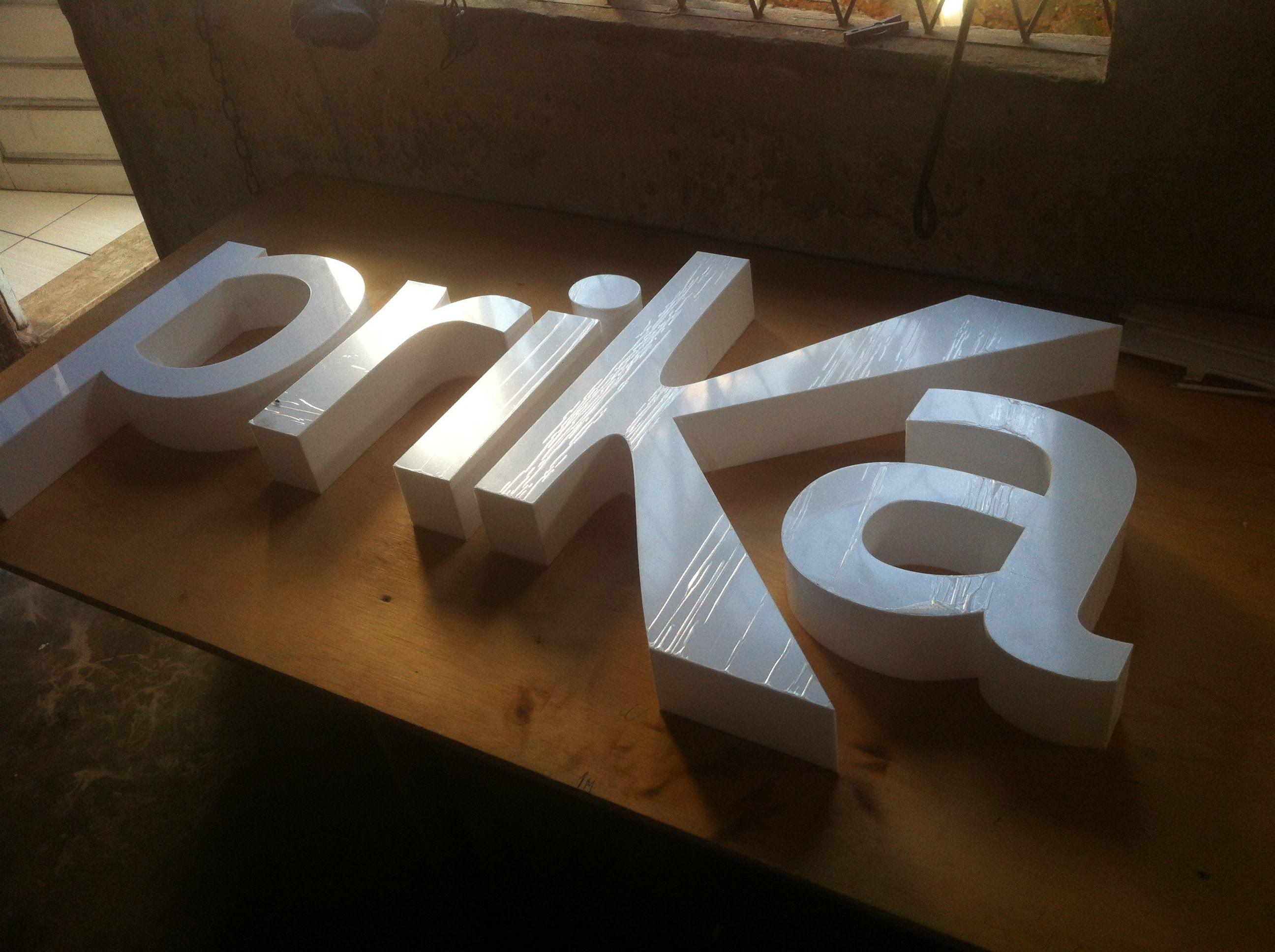 Letras de Acrílico com iluminação em LED rgb