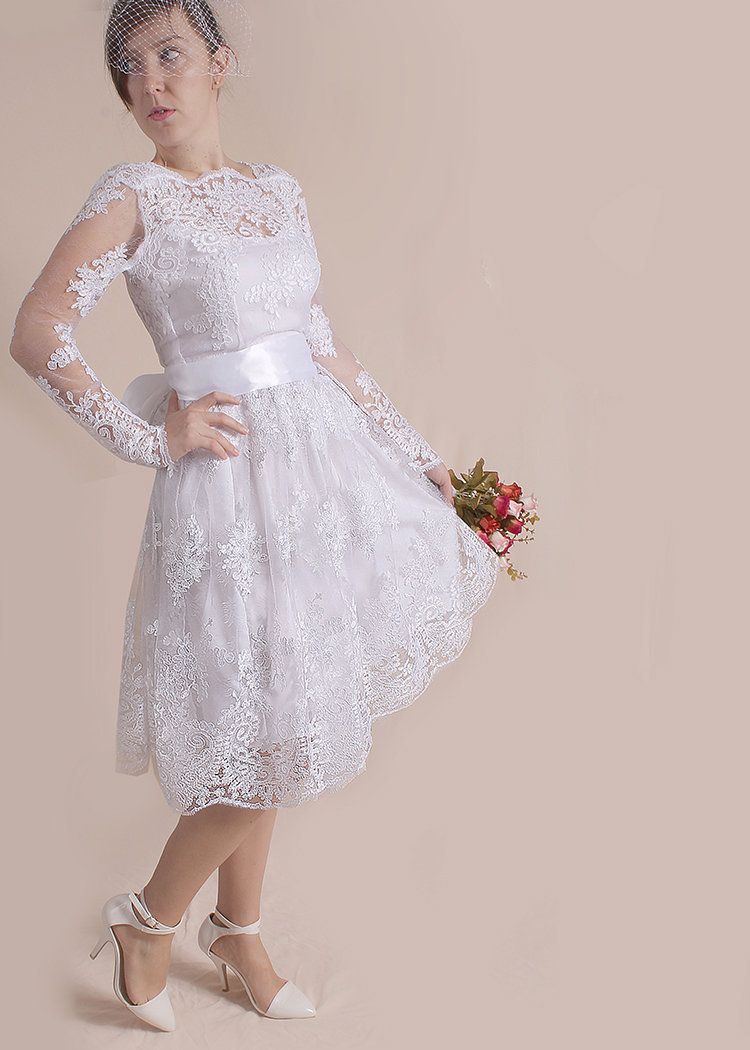 Plus size wedding party dressshort lace bridal gown with sleeve