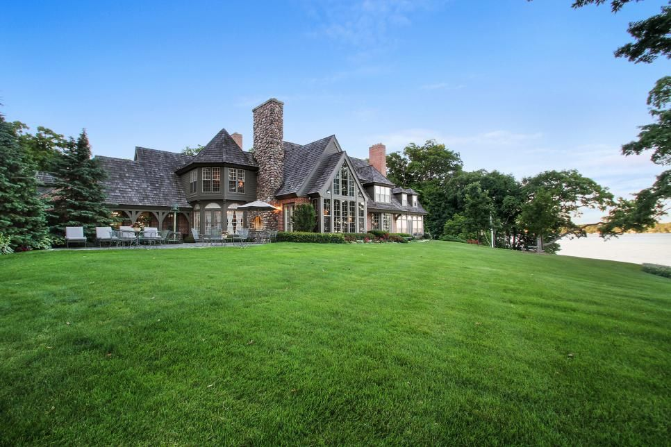 Estate On Lake Geneva Shoreline Hgtv Com S Ultimate House Hunt