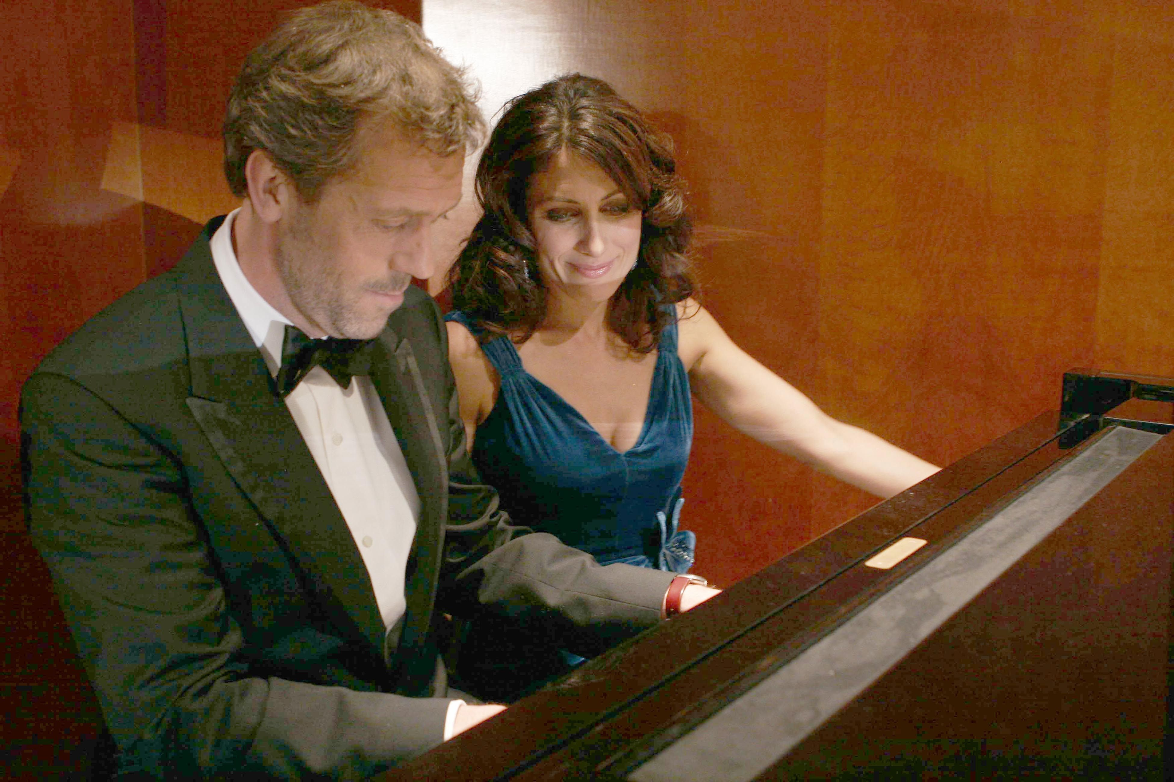 House - Season 2 Episode 17 Still | Hugh Laurie | Gregory