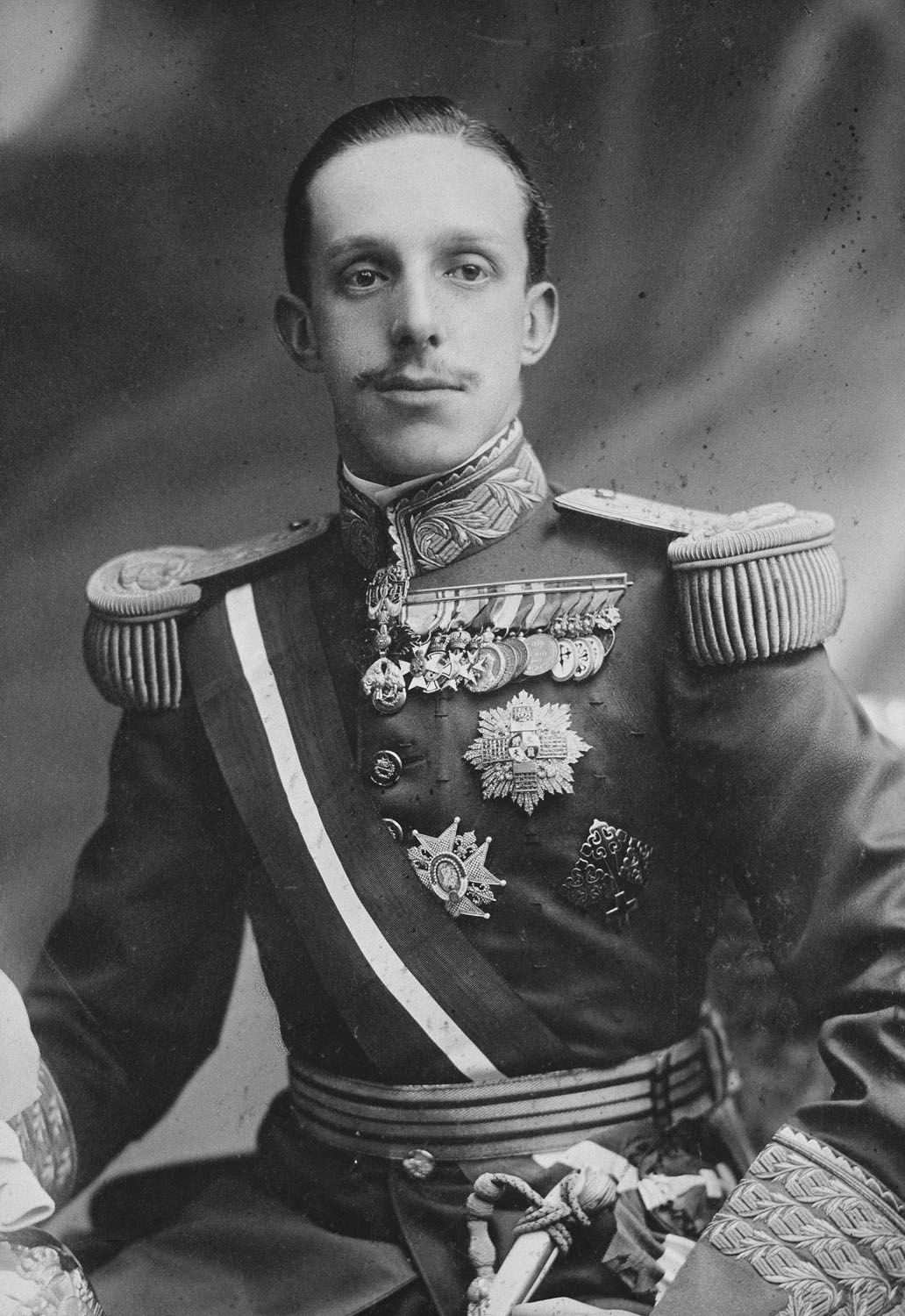 King Alfonso XIII (1886-1941) in military uniform | Royal ...