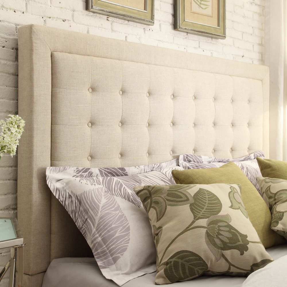 A square top with simple silhouette, the Bellevista headboard features a  button-tufted design