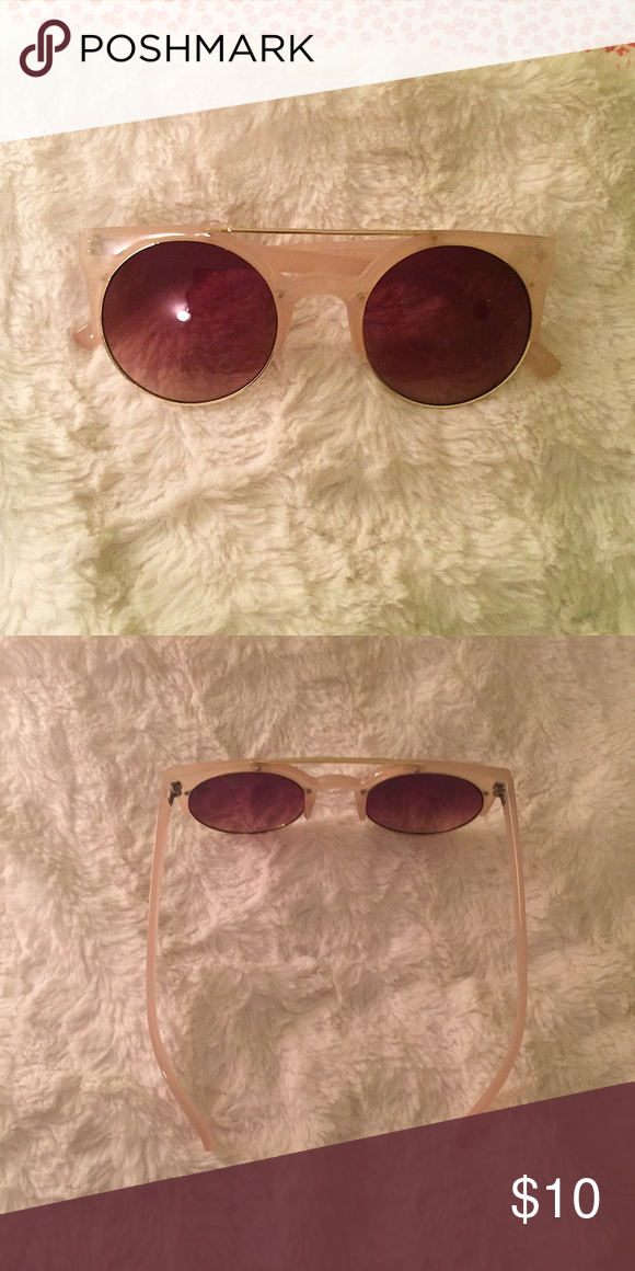 cream sunglasses Awesome cream-colored sunglasses. Brand unknown (not anthropologie). Never been worn 🌙 Anthropologie Accessories Glasses
