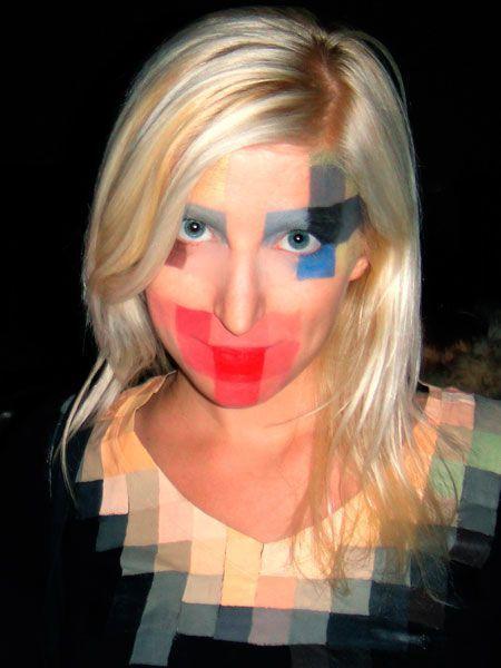 Maquillage pixels Creepy makeup Pinterest Creepy makeup and Makeup - scary homemade halloween costume ideas
