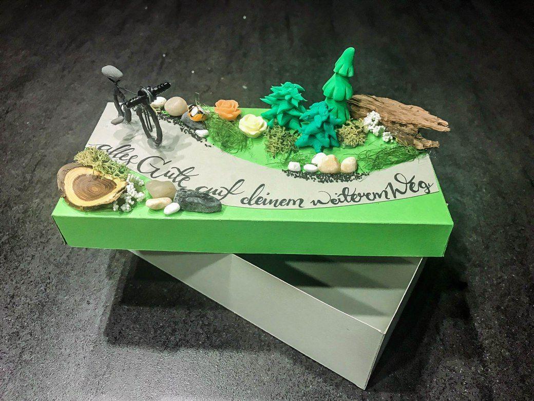 Diy Themen Geschenkbox Geschenke Bienchenweb Geschenke Geschenke Zum Abschied Geschenke Basteln
