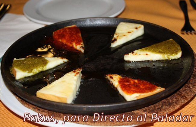 Cocina Canaria | Cocina Canaria Queso Al Horno Con Mojo Picon Y Mojo Verde Queso