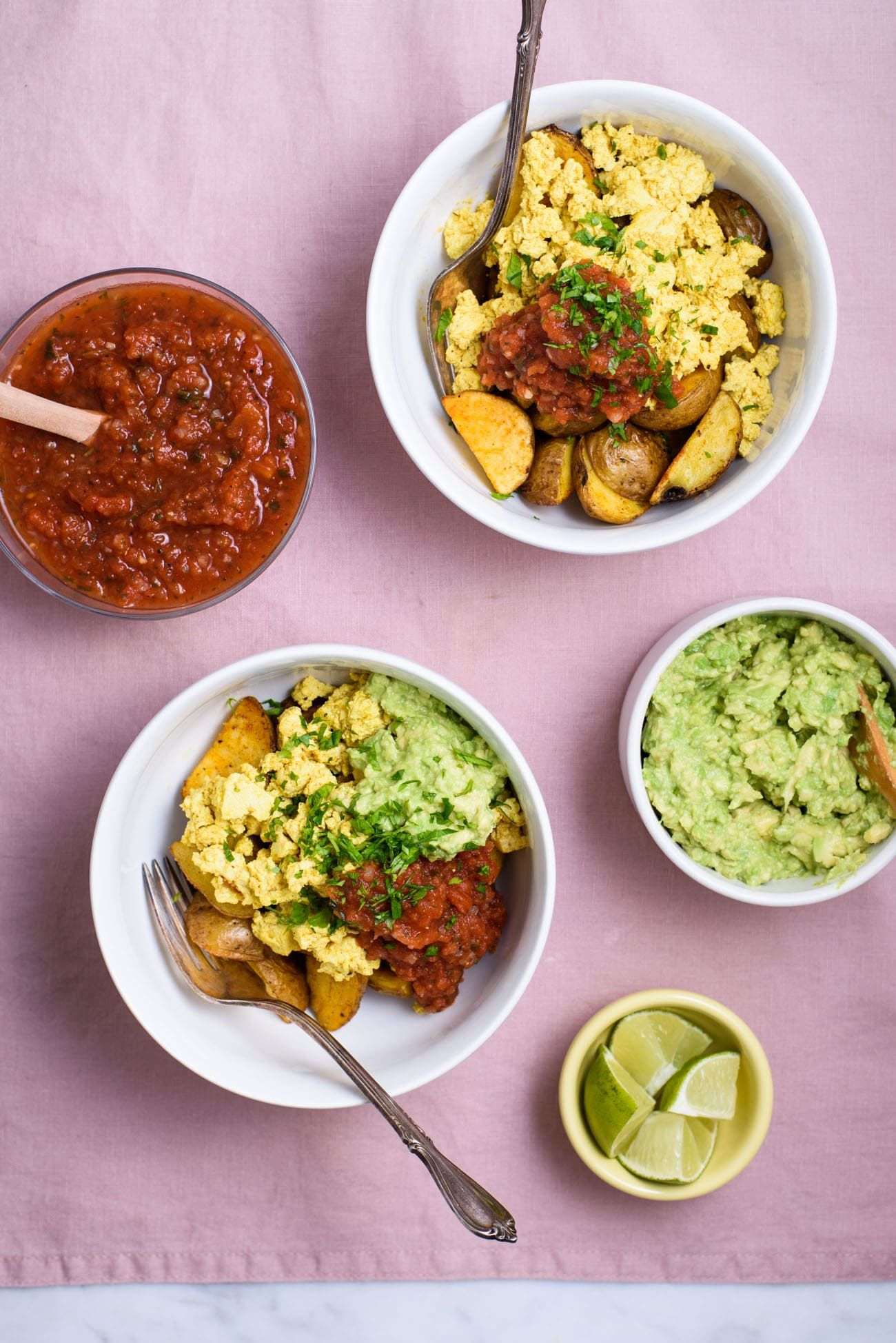 Looking For A Savory Vegan Breakfast Recipe Try This Vegan Breakfast Bowl With Mexican Sc Breakfast Bowls Vegan Brunch Recipes Quick Healthy Breakfast Recipes