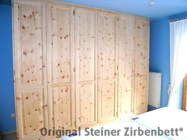 Zirbenholz-Einbauschrank auf Maß gefertigt Zirbenholzschränke - kleiderschrank schiebeturen stauraumwunder