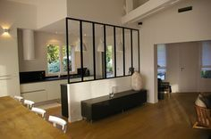Verri re entre cuisine et salon s paration pinterest - Separation cuisine salon vitree ...