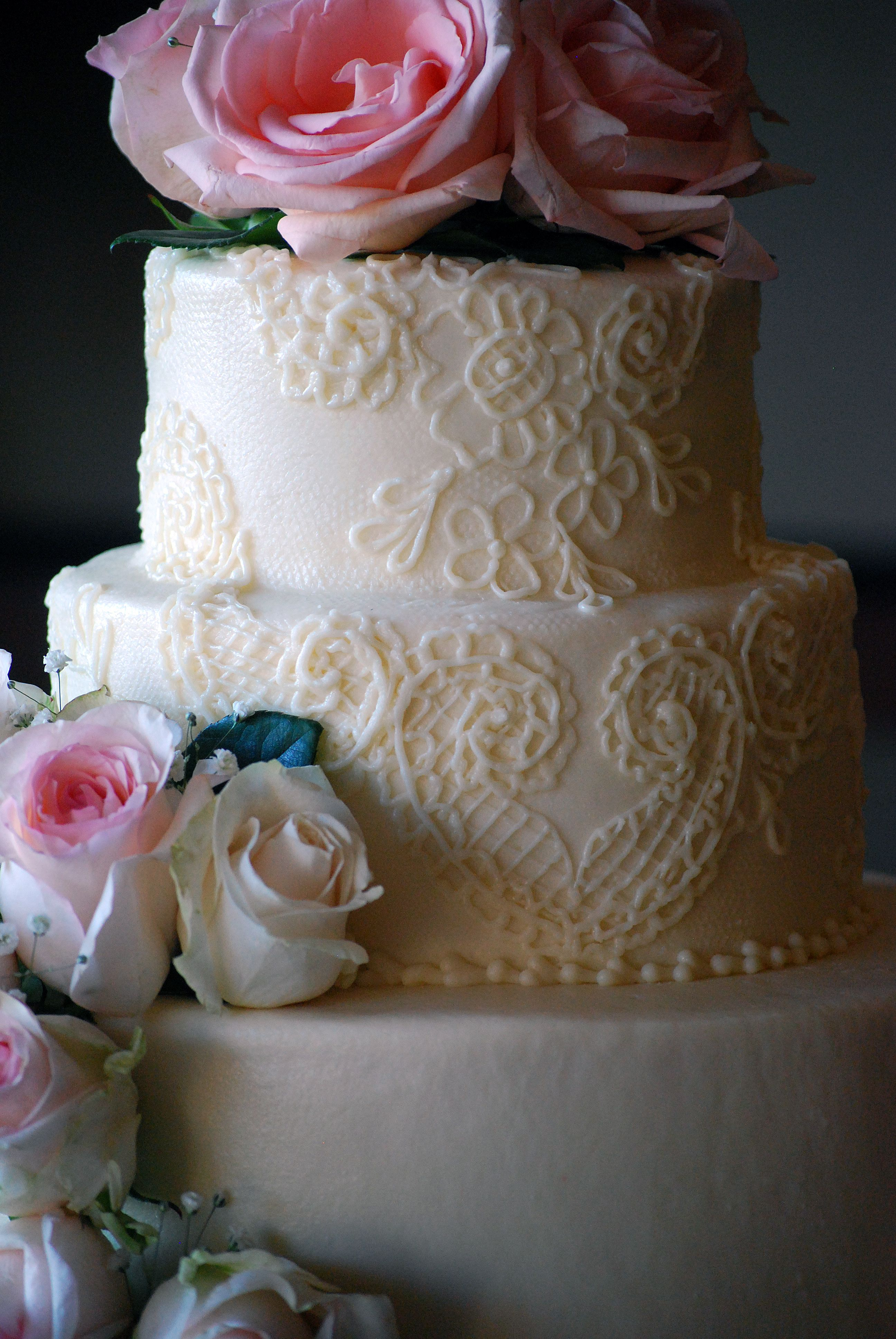 Delicate Alencon Lace Inspired Round Wedding Cake