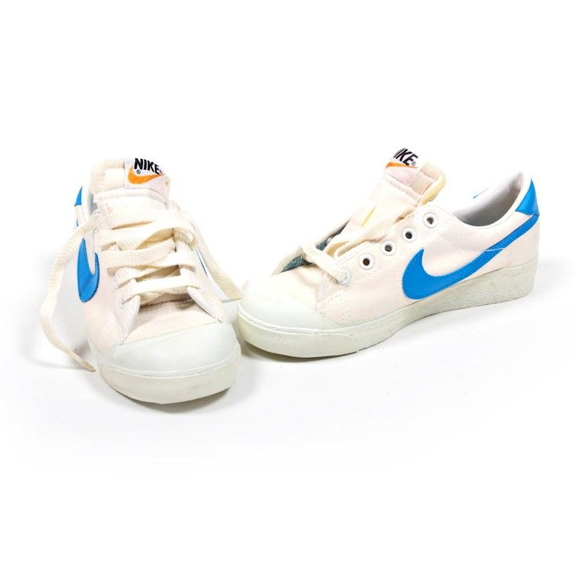 swoosh tennis nike shoes Vintage