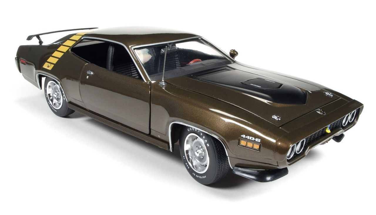1971 plymouth roadrunner hardtop tawny gold limited edition to 1002pcs 1 18 scale diecast car model by auto world amm1063