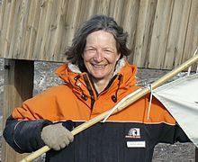 Roberta Lee Farrell, American expert on wood degradation, based in New Zealand; she has studied the preservation of historic huts in Antarctica.