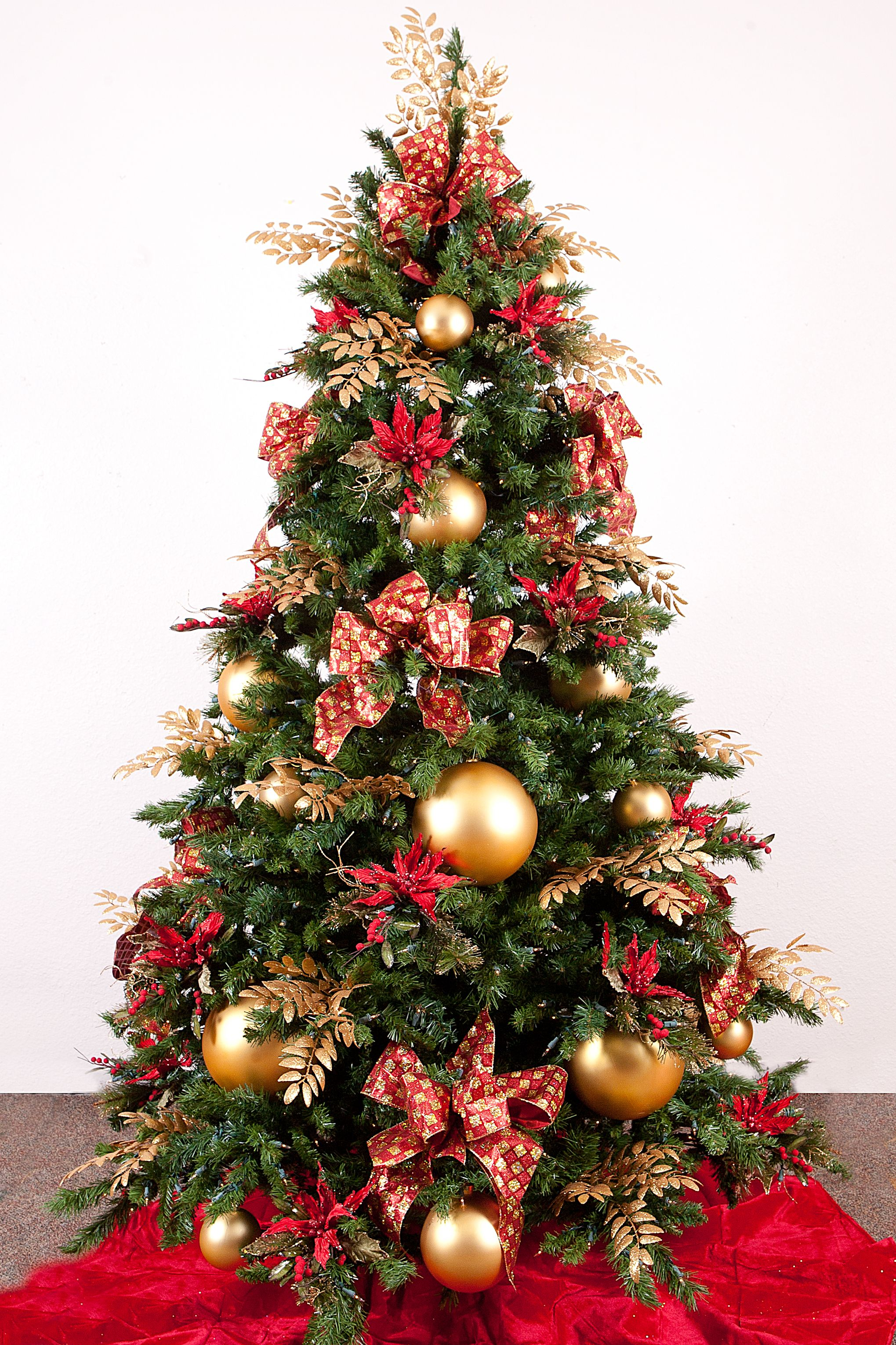 Christmas tree decorations ideas red and gold - Christmas 101 Tanenbaum Colour Combos Elegant Christmas Treescolorful Christmas Treedecorated