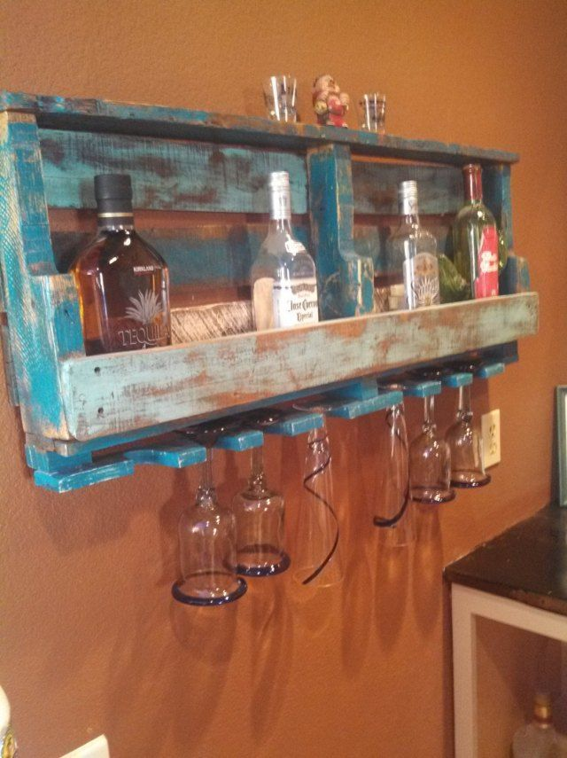 mini bar en bois de palettes voici 20 id es cr atives bar en bois de palettes bar en bois. Black Bedroom Furniture Sets. Home Design Ideas