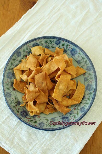 Cooking at Mayflower: Ribbon Pakkavada / Ola Pakkavada