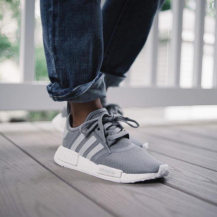 Girlsonmyfeet - Women Sneakers Style