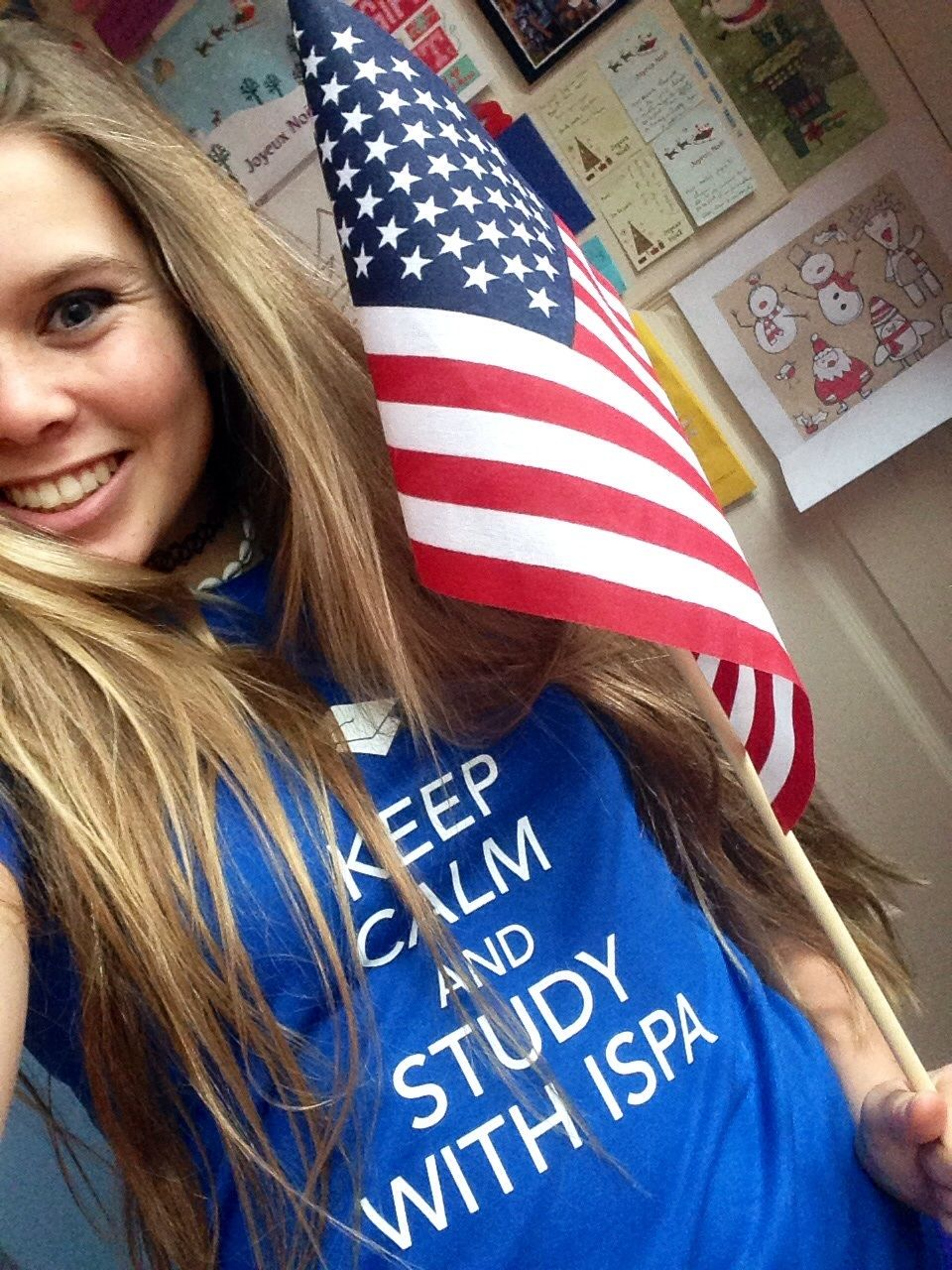 Emma et son Tee Shirt #KEEPCALM ISPA ;)