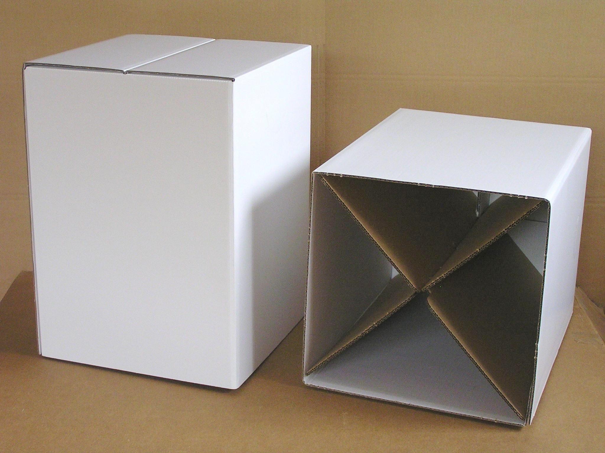 Pauli Papphocker / cardboard stool http://www.agentur-rindle.de ...