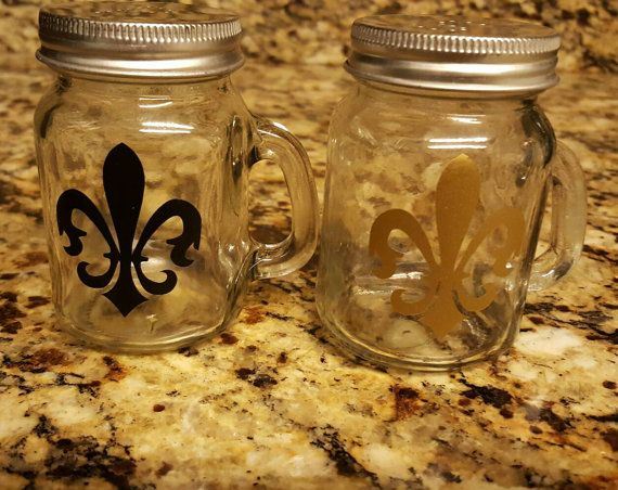 Check out this item in my Etsy shop https://www.etsy.com/listing/268961149/southern-mason-jar-style-fleur-de-lis