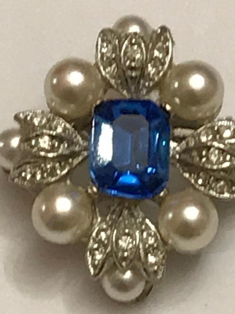 b66ea796fea Vintage Victorian Sapphire Pearls Crystals Diamonds Silver Tone Unique  Brooch