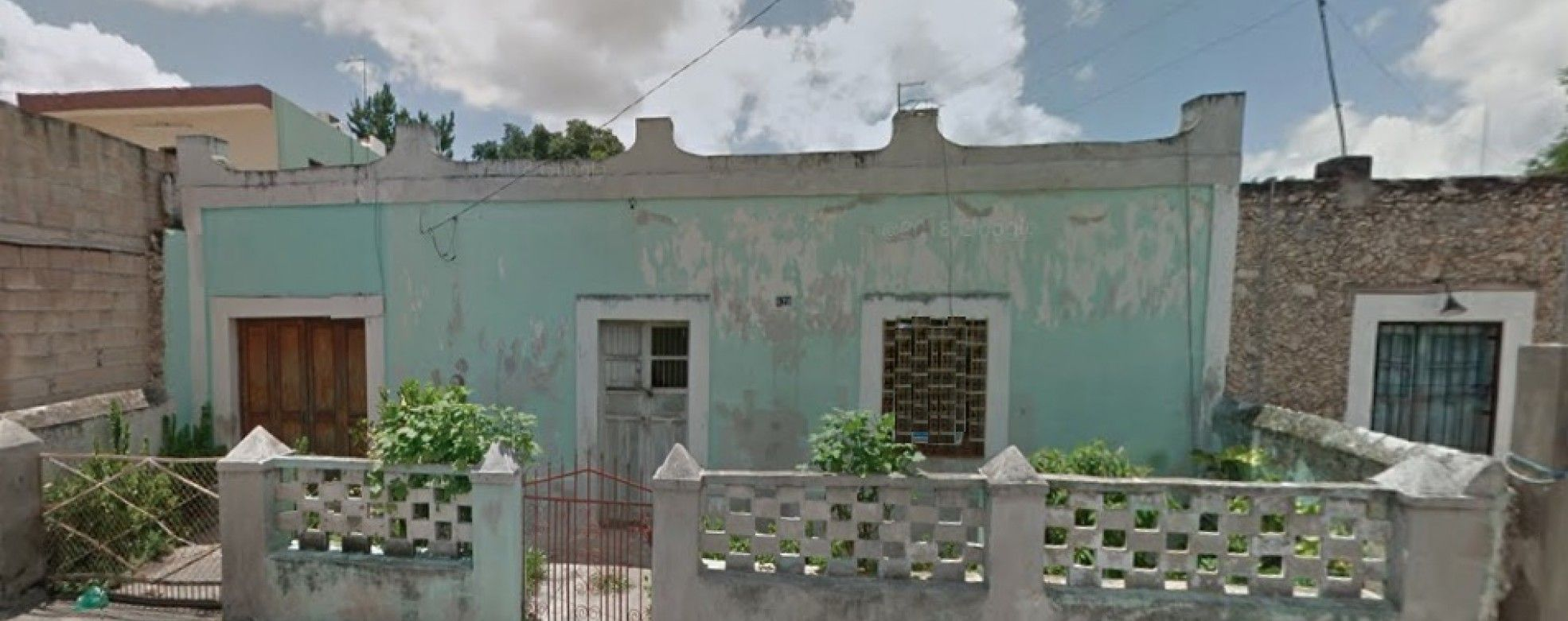 CLOSE TO LA ERMITA TO REMODEL   Yucatan Real Estate   We