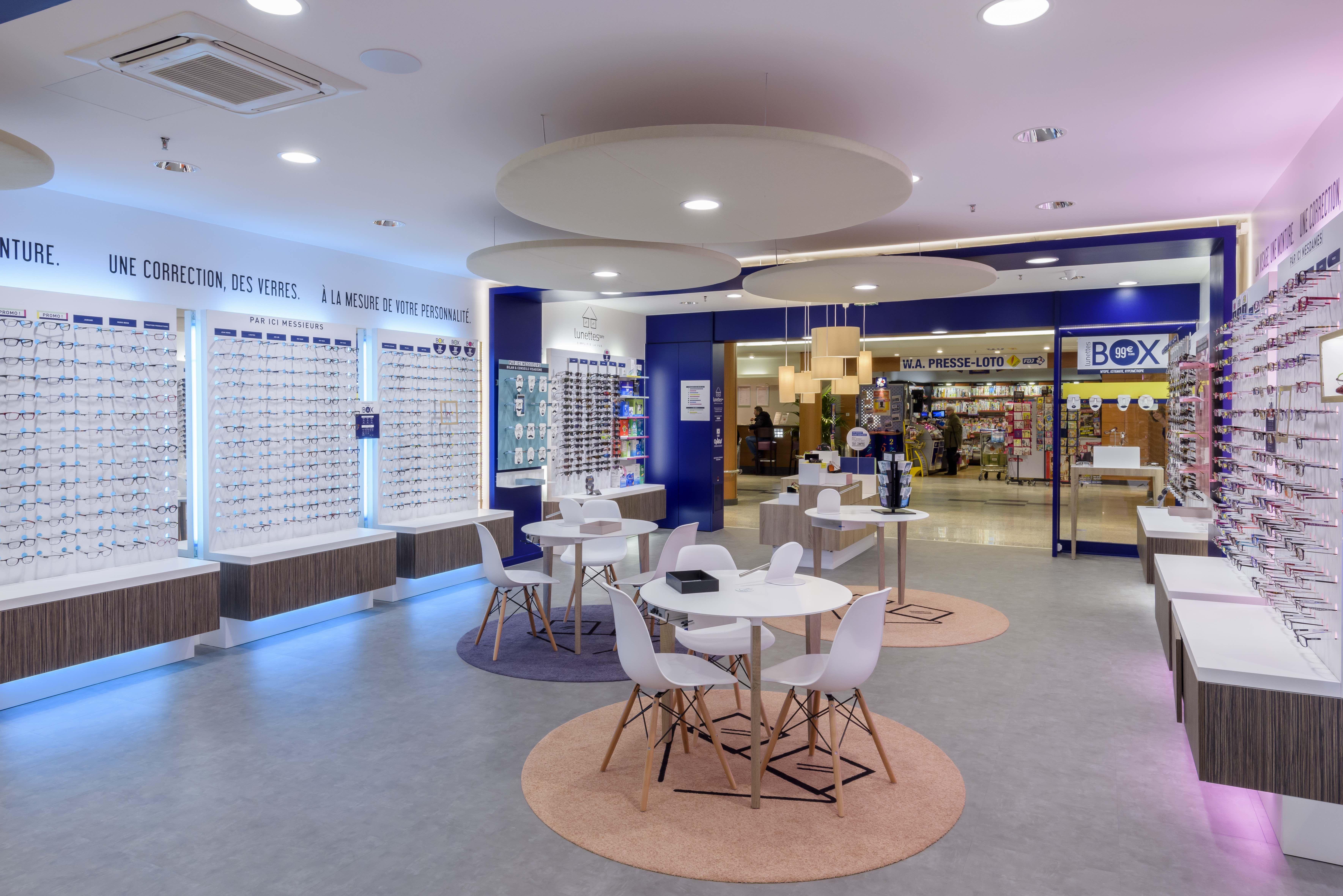 Lunettestore Vous Simplifie La Vue Design Conceptstore Opticien Vitrine Lunettes Lunetier Visa Design D Interieur Boutique Opticien Interieur Boutique