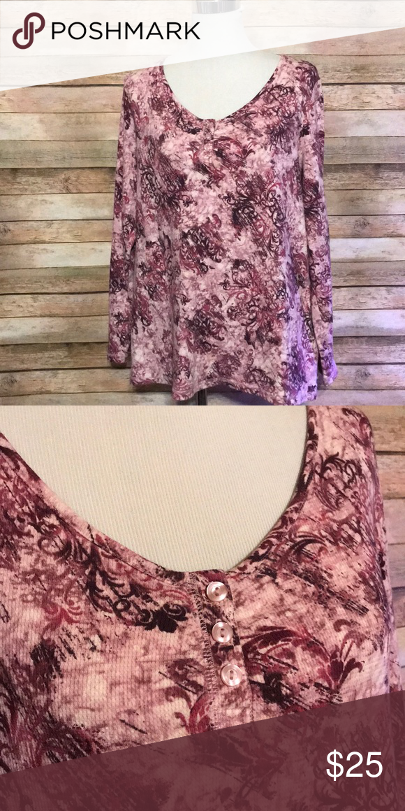Purple thermal top Size 3x. Long sleeve purple printed thermal with three little buttons at bust. 25 bust 27 length. All measurements are approximate  Box 1 #078 liz & co. Tops