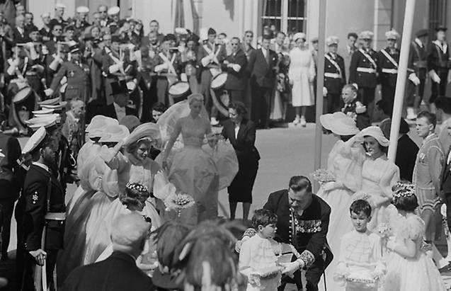 Las fotos de la Boda Real más 'glamourosa' después de 60 años: el enlace de Raniero y Grace de Mónaco - Foto 19