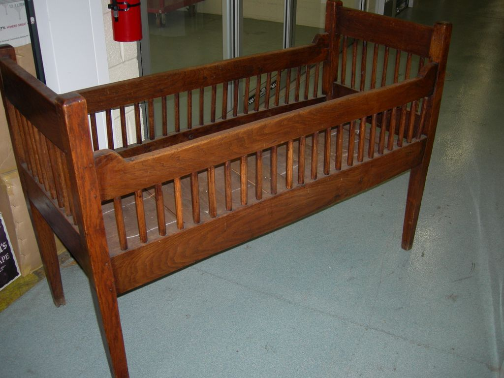 Antique Baby Cribs Antique Baby Crib Baby Crib And Babies