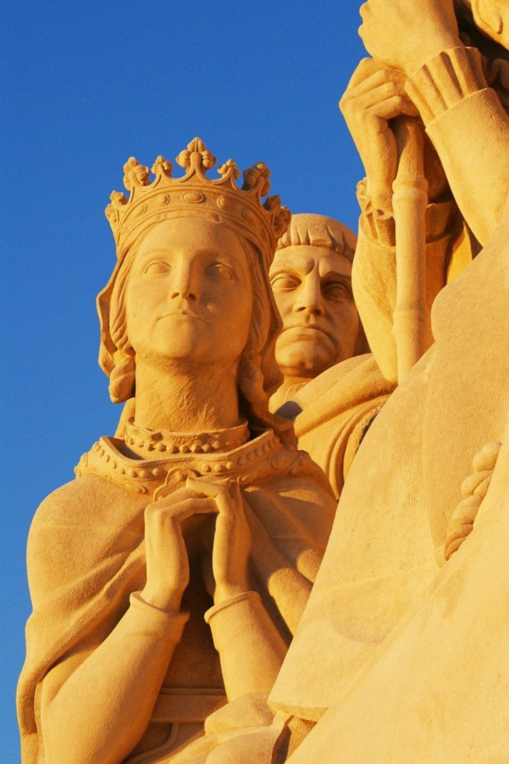 Monument to the Discoveries in Lisbon. One of the highlights from our Lisbon Travel Guide. Read now.