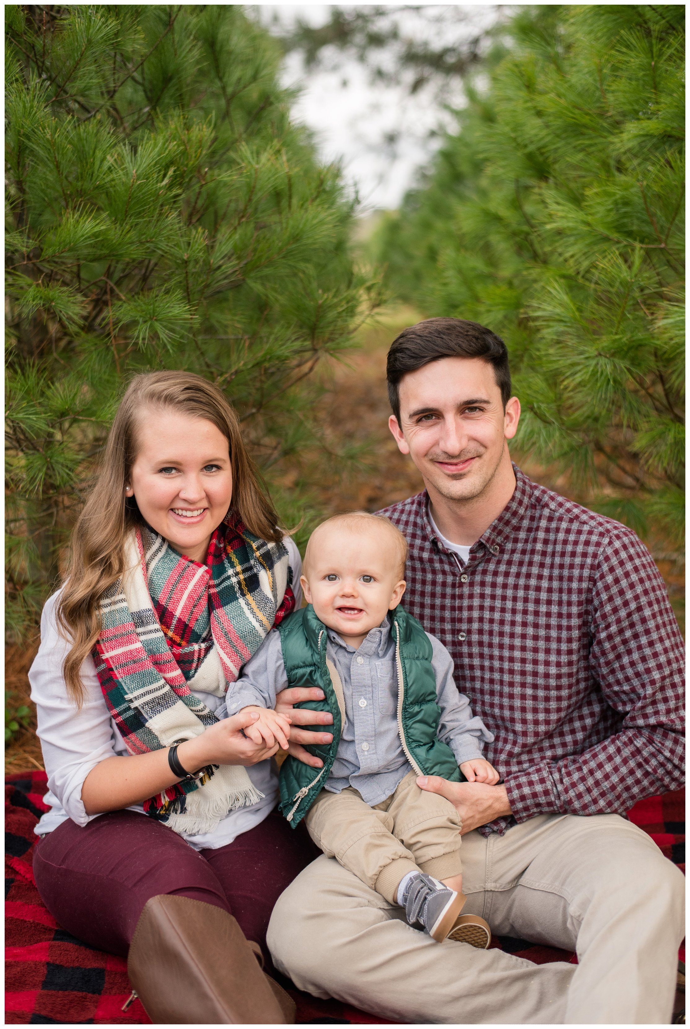 Christmas Tree Farm Mini Sessions Christmas Outfit Inspiration What To Wear Christmas Tree Farm Photos Christmas Tree Farm Pictures Tree Farm Mini Session