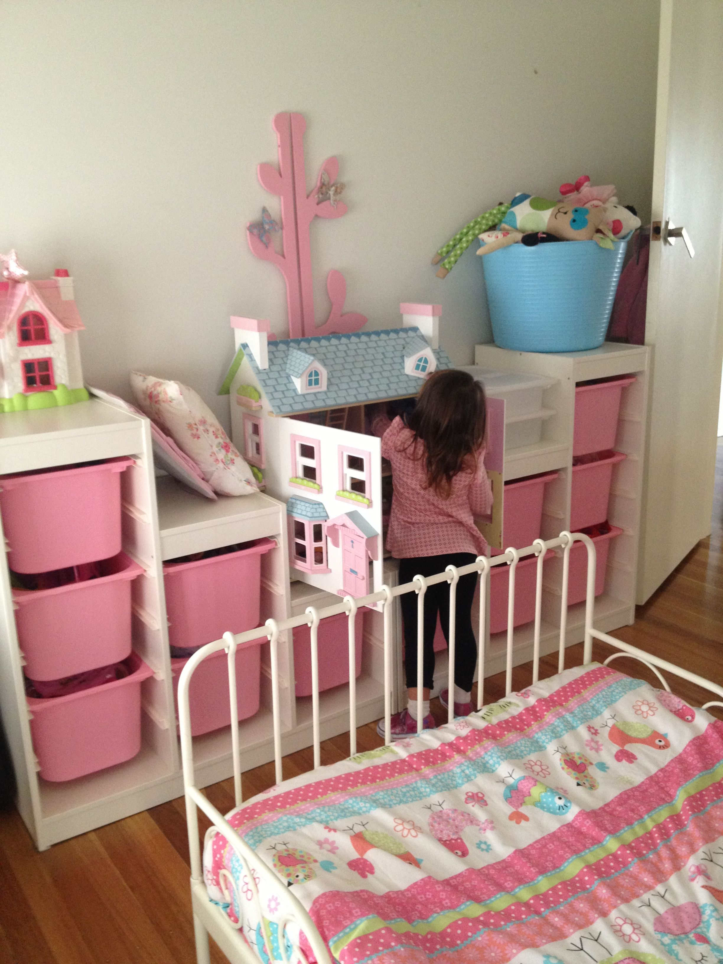 Ikea trofast storage girls rooms pinterest for Habitaciones pequenas ikea