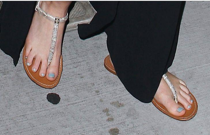 323788da8ab Jennifer Lawrence s suckable toes.
