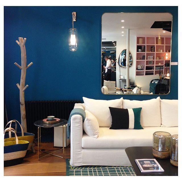 Nuance De Bleu Au 9 Rue Saint Roch Decor Paris Bleusarah Ressourcespeintures Design Paris Sarah Lavoine Decoration Nuances De Bleu Et Maison